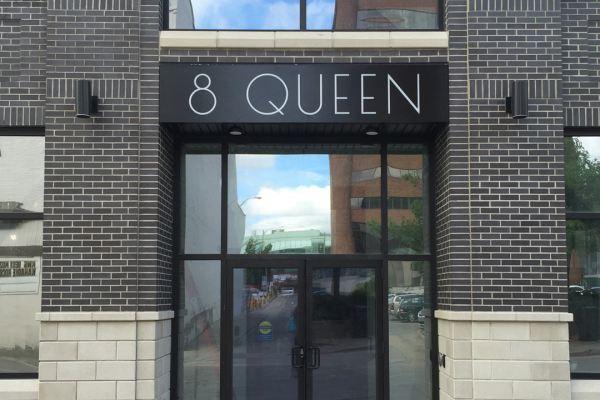 8 Queen